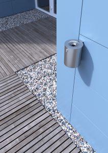 Ambientazione architettonica in render 3D di un posacenere in acciaio inox per l'arredo urbano (City Design S.p.A., Ormelle, Oderzo, Treviso)